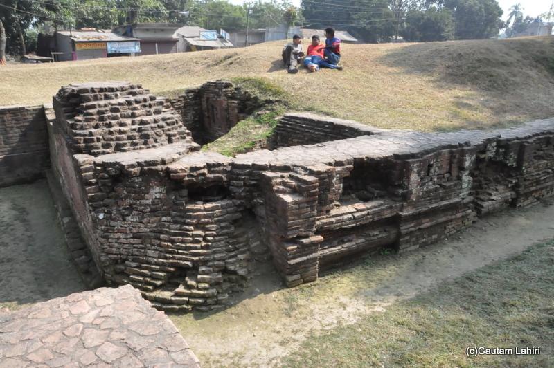 Ancient relics at Chandraketugarh, taken by Gautam Lahiri