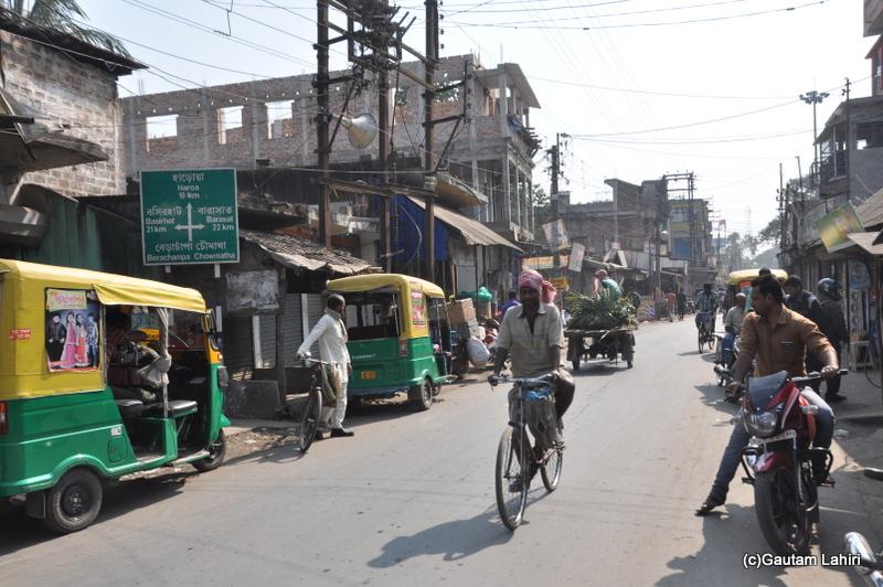Local markets at Chandraketugarh, taken by Gautam Lahiri