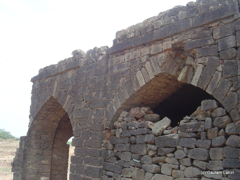 A section of the stable where long distance horses were made to rest. The structure looked extremely well built. Apart from few stone and mortar bricks breaking off, it had fought with the nature to proclaim its presence at Bidar fort by Gautam Lahiri