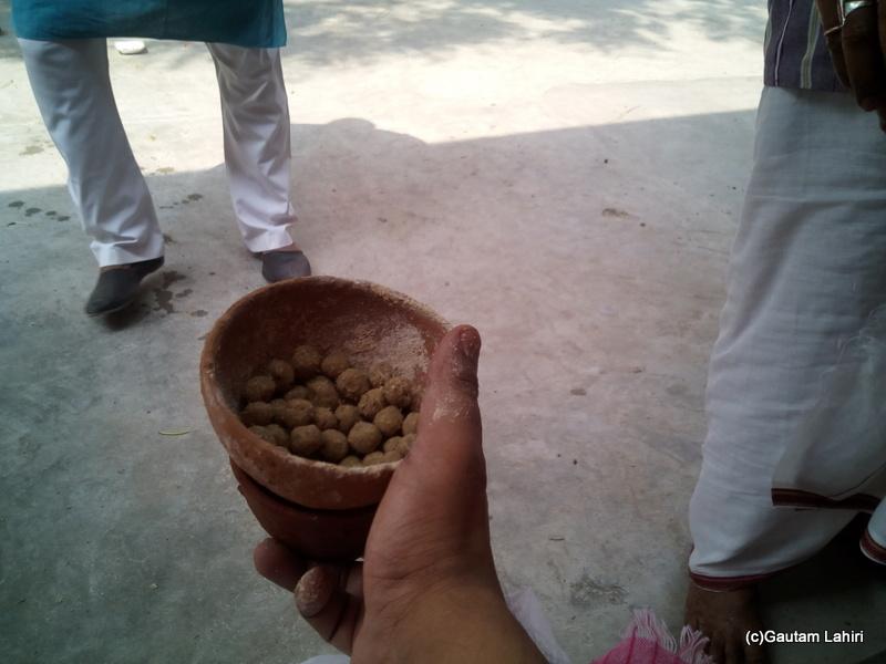 At Gaya, The remaining pindis out of thirty created would be used at the last post at Akshaya bot by Gautam Lahiri