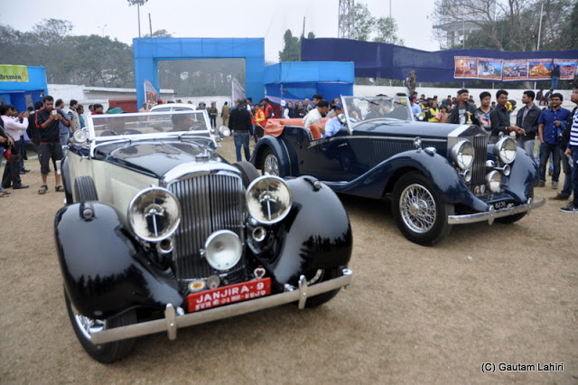 My senses were numb when I saw these two vintage cars - exquisitely designed, every bit resonating brilliant design and elegance - a 1938 Rolls Royce, 4.3 liters, and 1935 Bentley, 3.5 liter  at Kolkata, West Bengal, India by Gautam Lahiri
